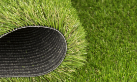 5 Mistakes That Artificial Lawn Turf Owners Need to Avoid